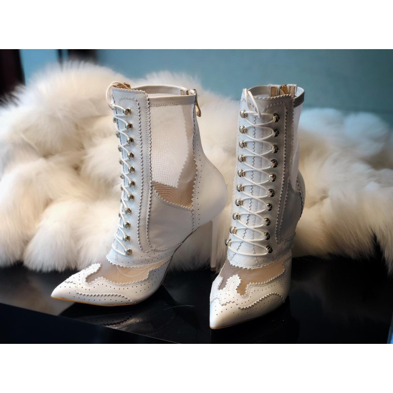 Carra Booties White -...
